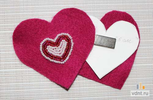 Сердце - магнит на холодильник из фетра