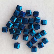 Бусины - кубики граненые синие радужные