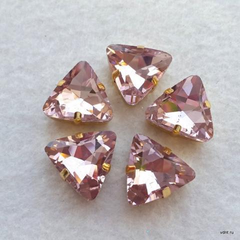 Треугольные кристаллы розовые в цапах